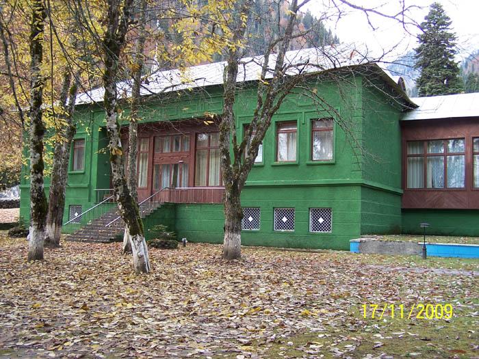 фото дачи сталина в абхазии